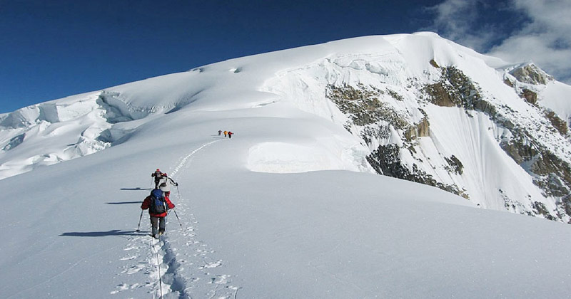 golden-peak-and-spantik-peak-expedition